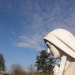 Statua raffigurante Maria