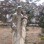 Statua nel Monastero di Bologna