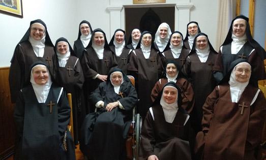 Gruppo di monache