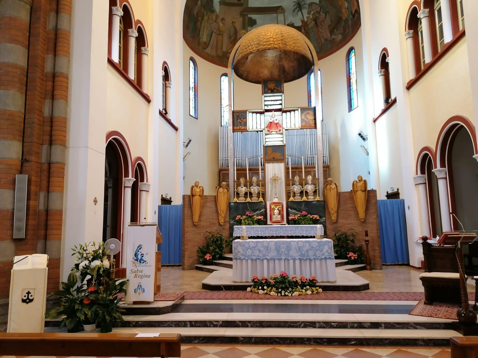 Altare del santuario di Carmelo