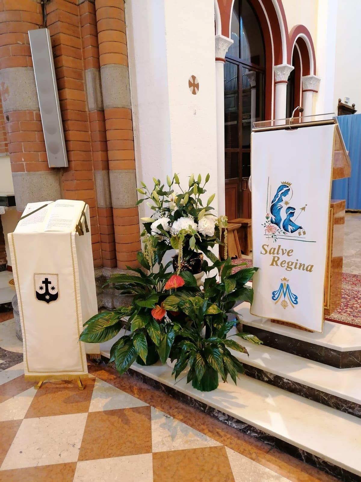 l'angolo della parola dell'altare